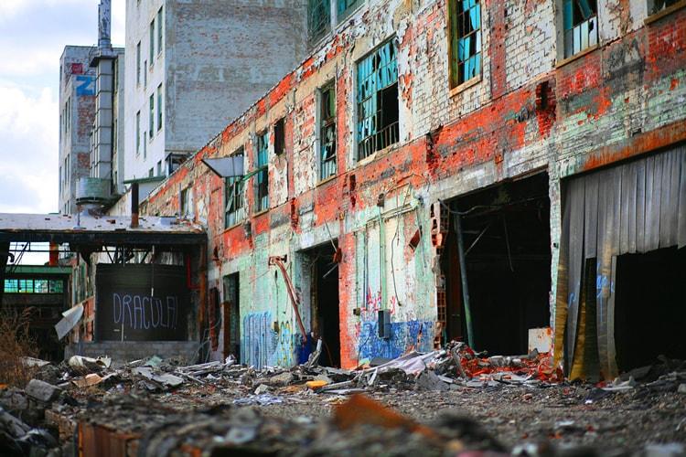 Urban Decay - Fisher Body 21 Plant Detroit, Michigan