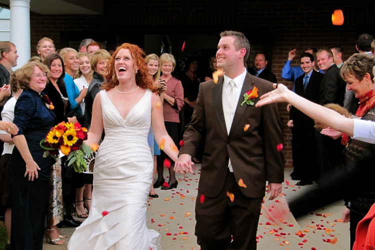 10 Tips For Candid Wedding Photography