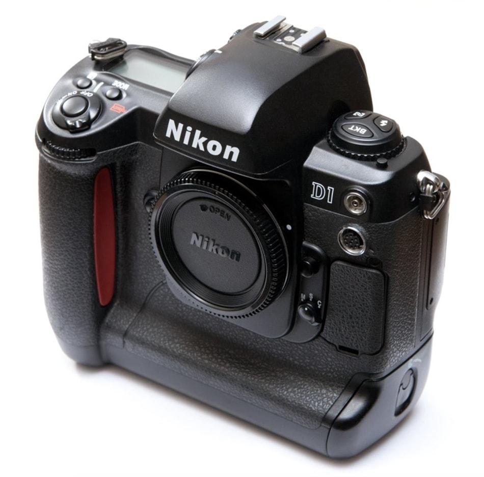 Nikon D-1