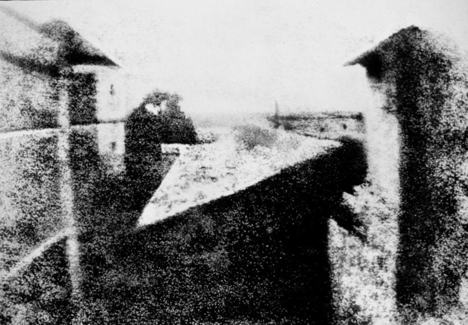 Joseph Nicephore Niepce - camera obscura