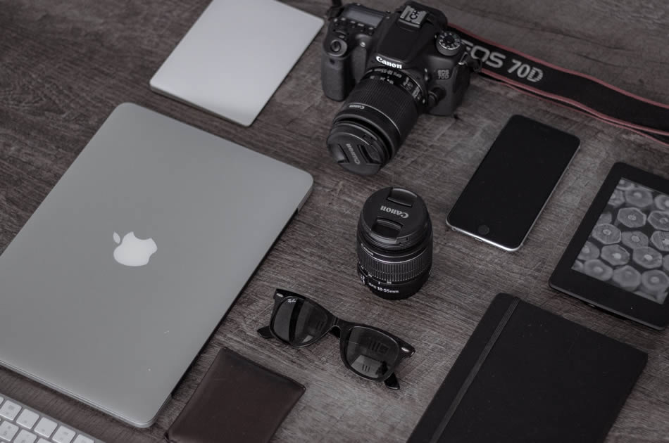 5 Essentials of Visually Stunning Photographer's Blog | Contrastly